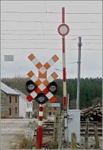 Verschiedenes/13551/bahnuebergang-in-honvelez-b-fotografiert-am Bahnübergang in Honvelez (B) fotografiert am 14.03.09 (Jeanny)