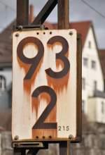 Hektometertafeln/56556/die-kilometertafel-bei-ulm-wirkt-schon Die Kilometertafel bei Ulm wirkt schon rechts ausgewaschen, am 26.02.2010.