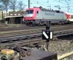 Gleise und Weichen/52130/weichenlaterne-mit-lueftungsaufsatz-fuer-ehemals-petroleumbeleuchtung Weichenlaterne mit Lüftungsaufsatz für ehemals Petroleumbeleuchtung; zufällig fährt der Euro-Sprinter 127 001-6 im Hintergrund vorbei, am 02.04.1999.