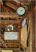 sonstiges/154096/fuer-eine-uhr-und-ein-fahrplan Für eine Uhr und ein Fahrplan findet sich auch im kleinsten Bahnhof ein Platz. So gesehen am Bahnhof Exergillod am 05.08.2011. ( Strecke Aigle-Le Sépey-Les Diablerets)